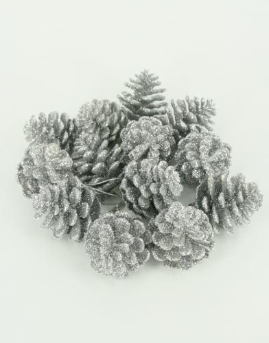 Glitter zilveren dennenappels 18 stuks van  5 cm