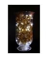 Sfeerverlichting gouden kerstballen in vaas